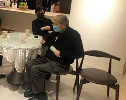 獨/影后低調現身江文雄追思會 甄珍憶當年難能與電影老闆吃飯