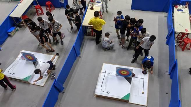 「2020年全國國鼎盃工程創意競賽」24日在屏東縣立體育館登場,共有來自全國9個縣市、189支隊伍同場競技。(潘建志攝)