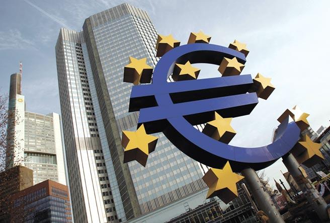 由於新一波疫情導致歐洲多國再度實行封鎖措施,歐元區10月服務業PMI從9月的48進一步下滑到46.2,為五個月來新低。圖/路透