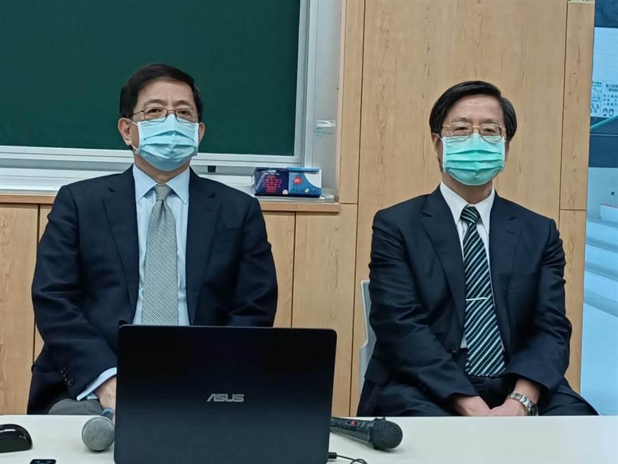 台大24日校務會議決議將台大癌醫列為臺大醫院總院底下分院。台大校長管中閔(左)和台大副校長張上淳(右)向媒體說明(簡立欣攝)