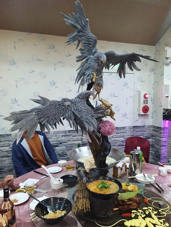 宜蘭某間無菜單料理超浮誇老鷹造型擺盤。(照片/網友提供)