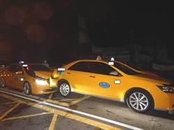 瘋狂醉漢偷開小黃逛大街 兩車慘遭追撞