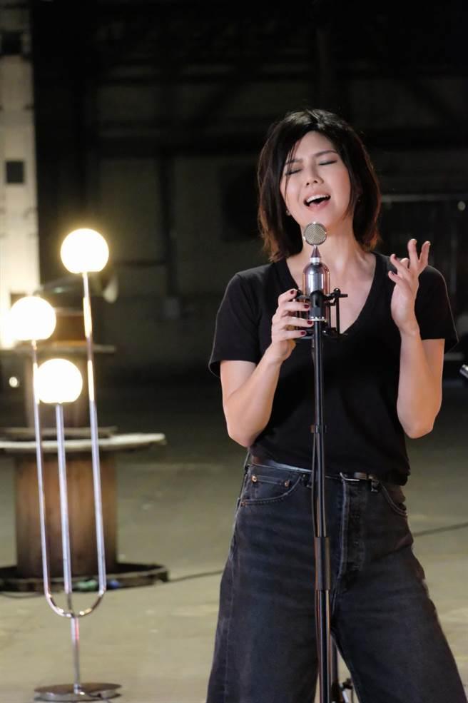 孫燕姿舉辦線上音樂會2.0 ,用歌聲傳達對歌迷的祝福。(環球音樂提供)