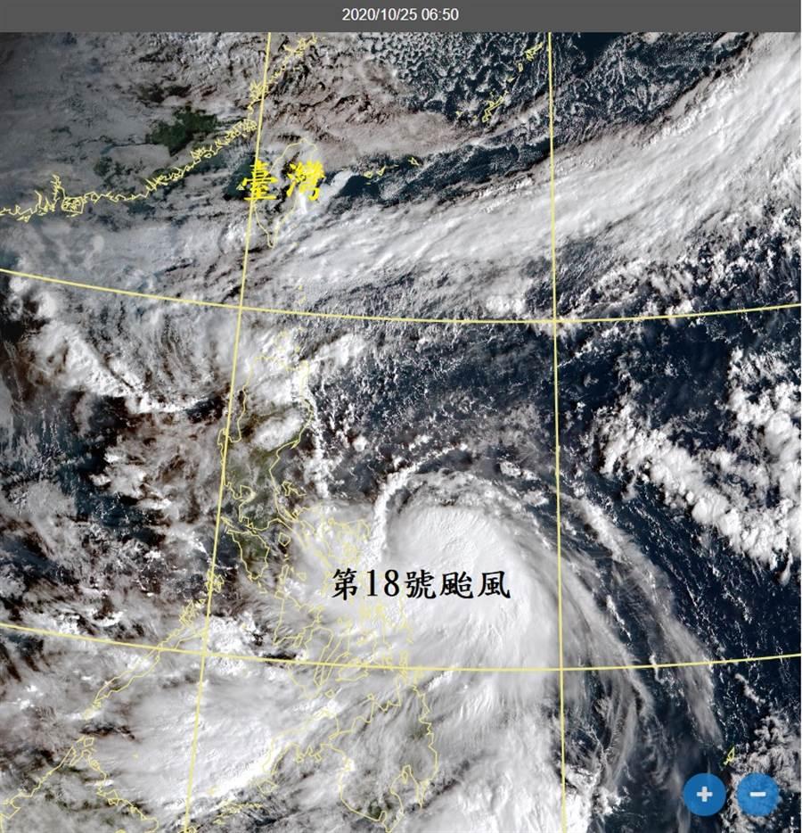 鄭明典指菲律賓東方海面成了「颱風窩」。(翻攝自 鄭明典臉書)