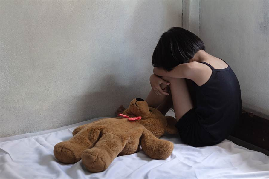 高雄市一名性侵未成年少女的慣犯,在2016年再度性侵一名國一少女。(示意圖/達志影像/Shutterstock提供)