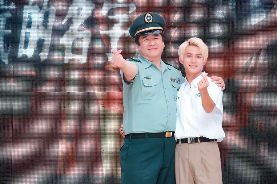 监製瞿友宁(左起)、林晖闵出席电影《刻在你心底的名字》粉丝见面会活动。(罗永铭摄)。