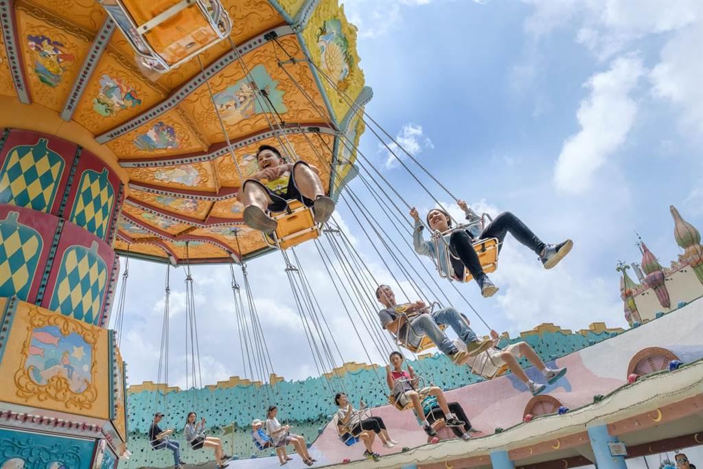 麗寶樂園渡假區饗樂券,吃喝玩樂自由選,每張最低520元。。(陳淑娥攝)