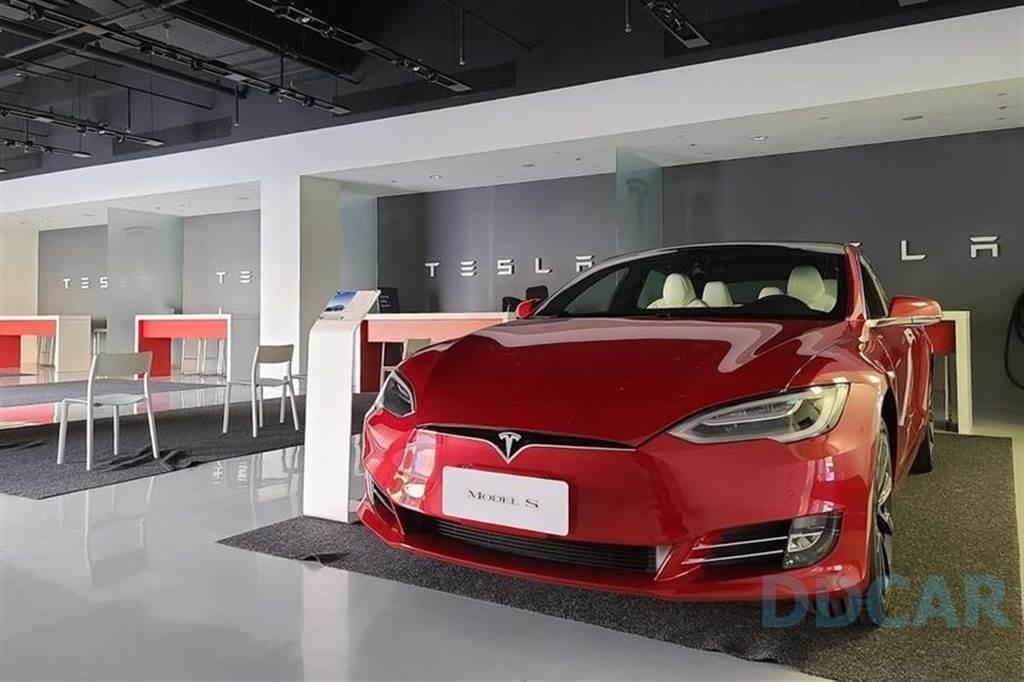 台灣特斯拉開始販售官方中古車,享額外 1 年或 2 萬公里額外保固