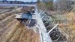 俄軍就是狂!裝甲車為抄近路直接破牆前進