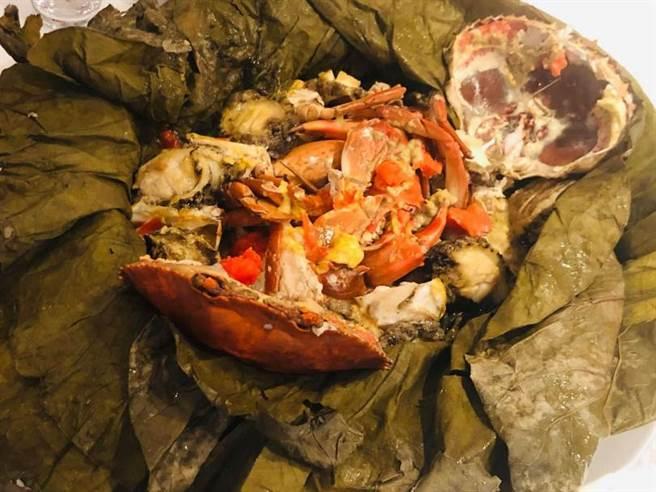 荷香雞鮑蟹。(圖/余玫鈴攝)