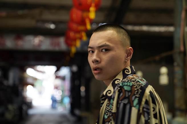 留著平頭、看似凶狠的蕭昊祥,經常在劇中扮演古惑仔的角色,但他不想因此受到侷限。(翻攝照片/林郁平台北傳真)