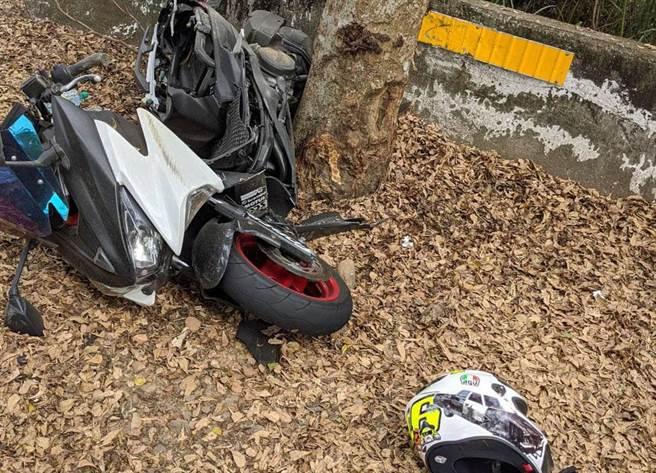 139線無照重機自撞機車斷兩截,18歲騎士壓車過彎人飛出。(彰化縣警局提供/吳敏菁彰化傳真)