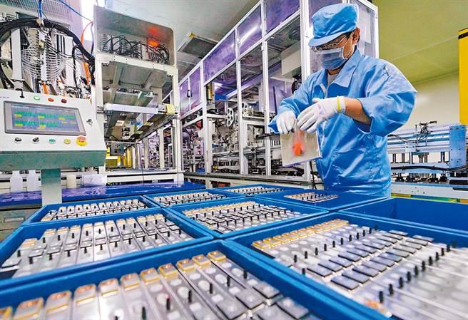 鋰電池被認為已發展到極限。(示意圖/新華社資料照片)