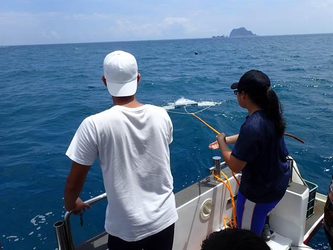 國立海洋科技博物館結合基隆在地師生團隊,針對海廢與微塑膠問題進行科學探究。(國立海洋科技博物館提供/陳彩玲基隆傳真)
