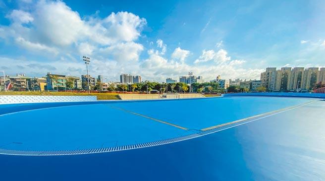 新竹縣國際標準滑輪溜冰場,將在11月啟用。(羅浚濱攝)