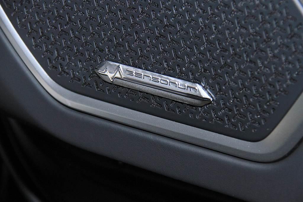 Lamborghini Urus臻選訂製系列:Graphite Capsule正式在台上市!起始售價:1588萬