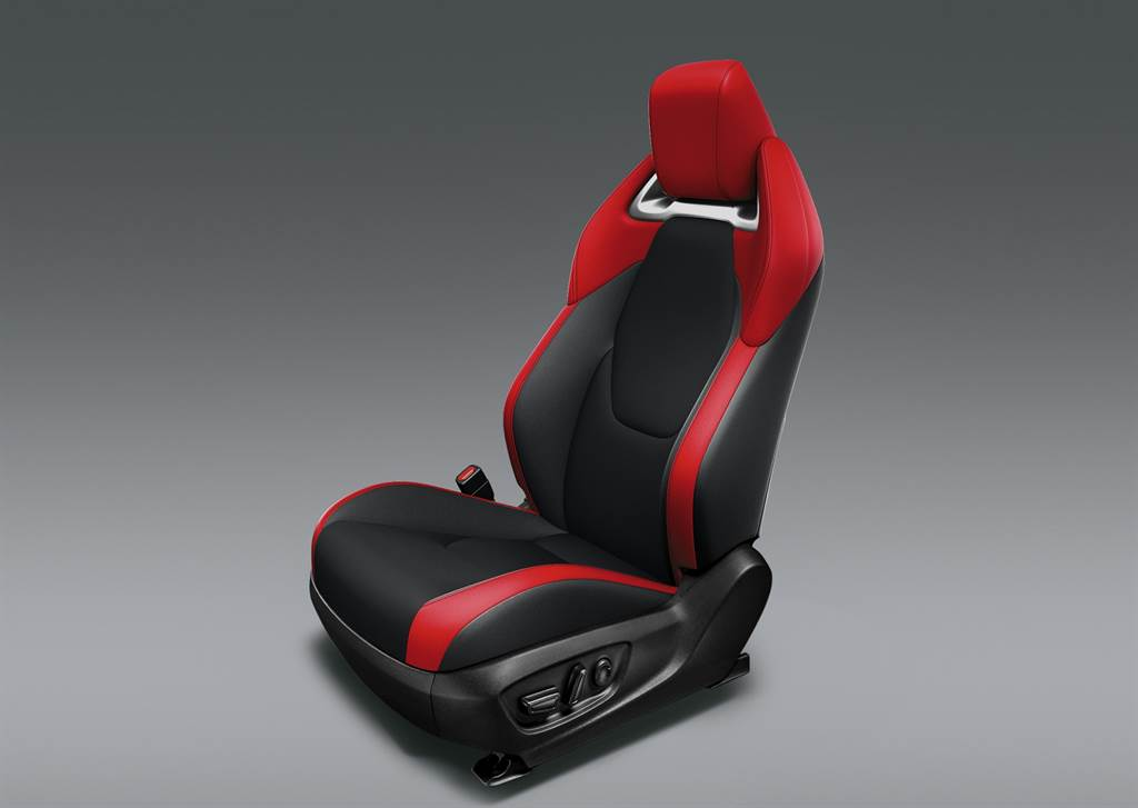 新年式 Corolla Sport 駕駛座電動調整椅。