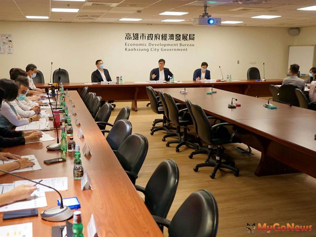 高雄市長陳其邁重啟重大投資推動小組,加速大廠投資(圖/高雄市政府)