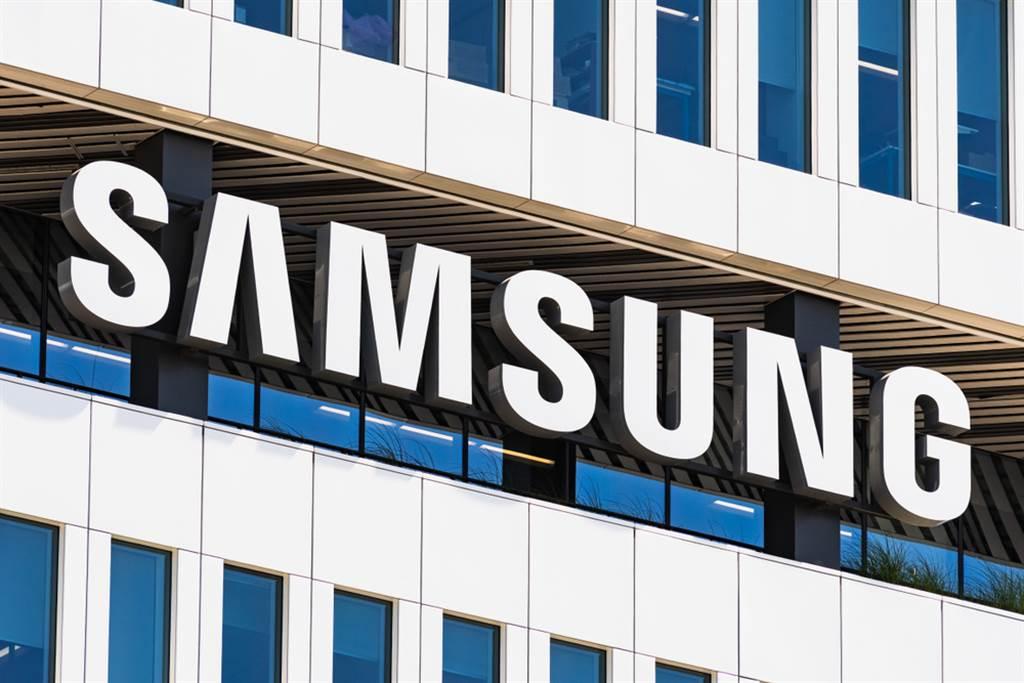 外媒指出,韓國三星集團旗下三星顯示器 (Samsung Display)已獲得美國當局的許可,得以繼續向華為供應特定面板產品。(圖/達志影像/shutterstock)