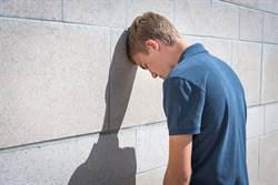 14歲男向媽哭訴「下面和同學不一樣」脫褲醫看傻:縮成一個洞