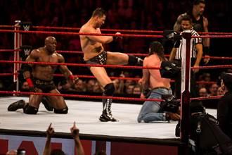 WWE傳奇名將:現在摔角變得更危險了