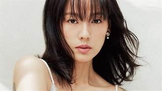 41歲女星「西外裡中空」辣曬零贅肉超狂曲線