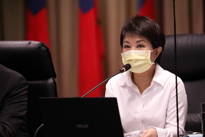 台中市長盧秀燕要求公務員上緊發條,不只是公僕也是台中市民,親朋好友也可能受難,將心比心,減少市民面臨風險的機會。(盧金足攝)