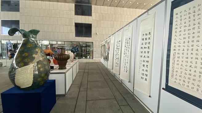 「109年矯正機關藝文技訓成果展」將在台中市府前廣場展出。(陳淑芬攝)