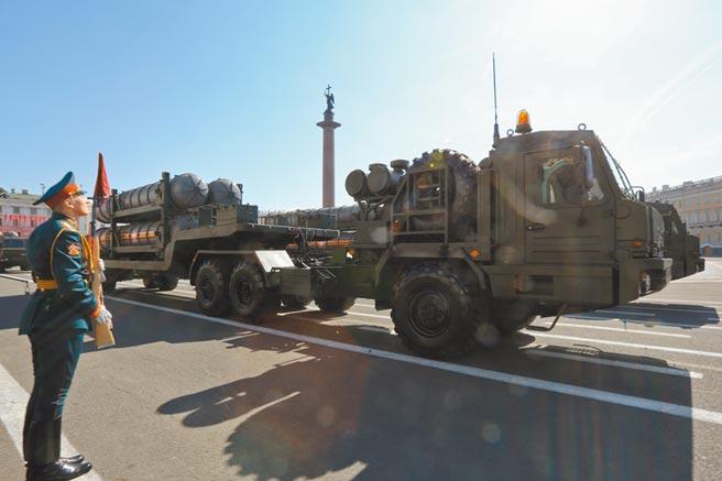 俄羅斯S-400長程防空飛彈系統。(新華社資料照片)