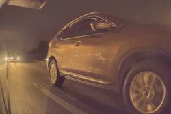 我的國道驚魂記:看特斯拉 Autopilot 如何閃過自殺式變道 救回全家好幾條命!