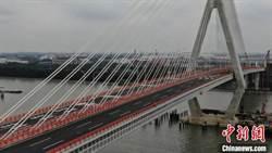 黃浦江上第13座越江大橋建成通車