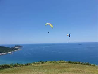 新北唯2家飛行傘因「沙灘有雜物」遭勒令停業  業者:強人所難