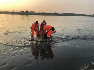 阿公店溪出海口發現男性遺體 警方調查身分