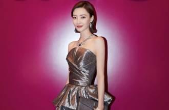 167cm素顏女神王麗坤閃亮辣裙襯出激瘦纖腰曲線