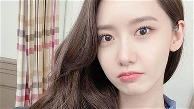 潤娥太妍俞利參加婚禮 有禮穿搭「只露背面」被讚爆(圖/IG@yoona__lim)