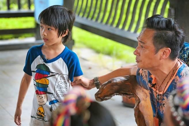 費曼當年與爸爸吳鎮宇上真人秀《爸爸去哪兒2》,父子溫馨互動深受觀眾喜愛。(本報系資料照)