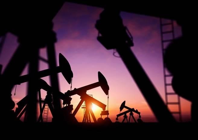 歐洲疫情大規模爆發,導致金價、國際油價全面走跌。(圖/達志影像)