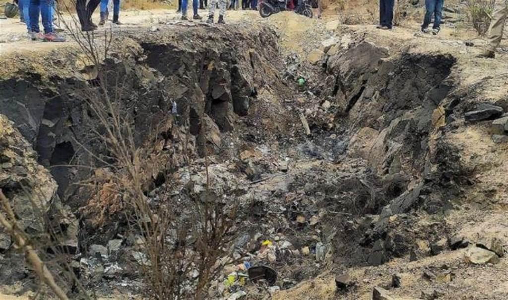 丹娜托梦母亲数日后,警方就在废弃垃圾场发现她的尸体。(图/翻摄自推特)