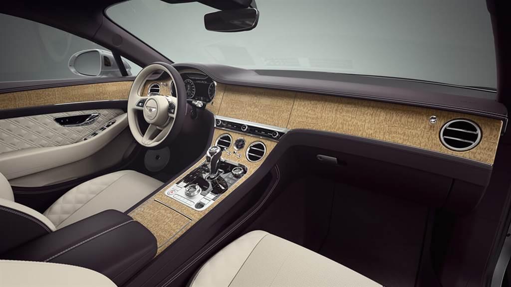 Bentley展示5000種各式車內飾板的幾項示例 石頭也能打造成飾板並兼顧輕量化需求