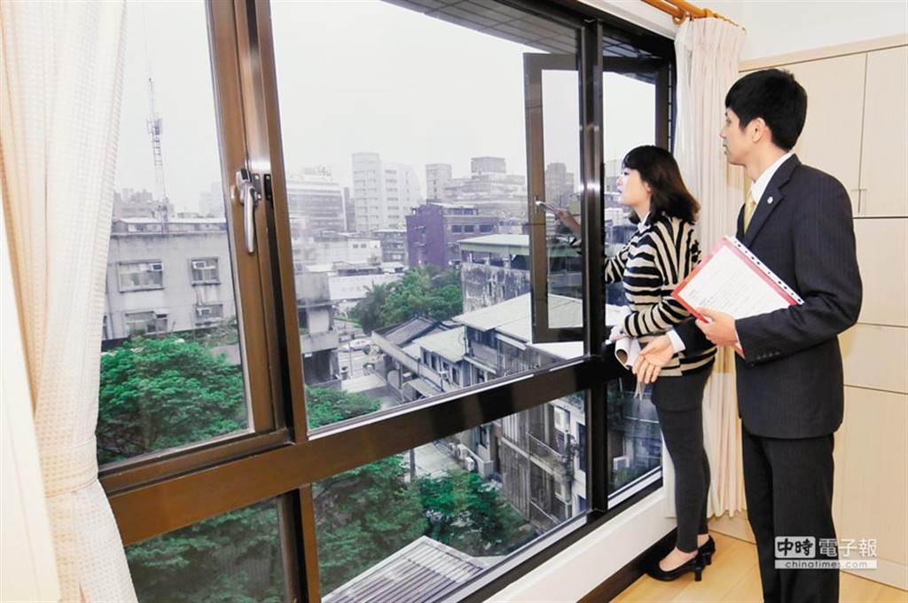 預售屋定型化契約有高達9成2建案不合格,民眾簽約時要特別小心。(資料照)