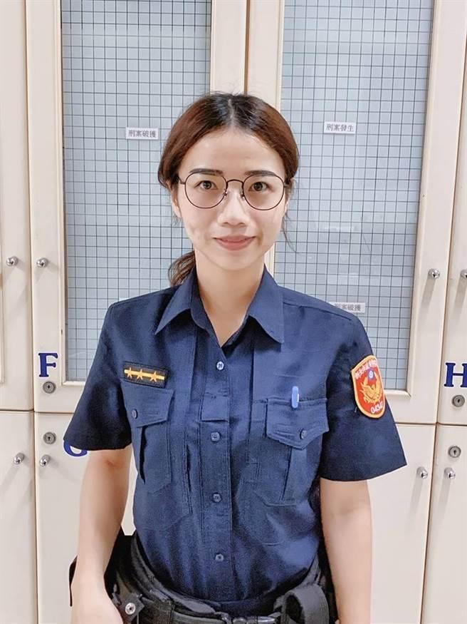 女警鄭介婷從警4年多,因做事細心、認真負責,深得單位長官肯定。(警方提供/李俊淇新北傳真)