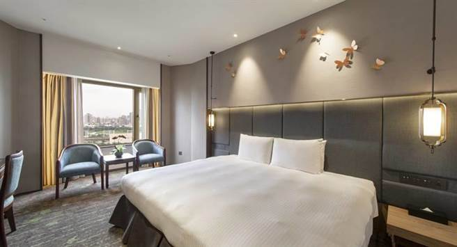 「福華大飯店連鎖住宿券」可使用於全台6館的福華大飯店,圖為台中福華大飯店精緻客房。(福華大飯店提供)