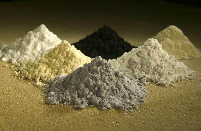 稀土作為消費性電子產品、電動車製造電池所需原料。(圖/美聯社)