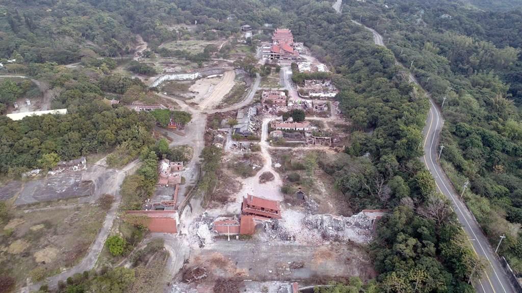 花壇台灣民俗村今年1月迅雷不及掩耳狂拆的當時現況。(民眾提供/吳敏菁彰化傳真)