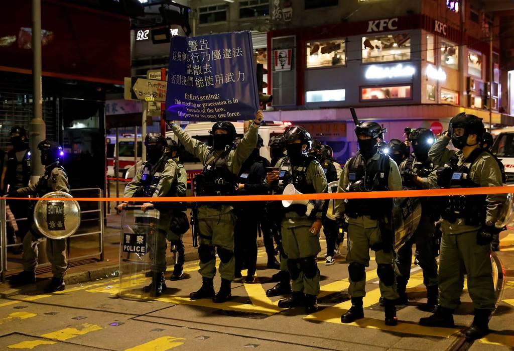 香港自去年爆發反送中運動以來,警民嚴重對立,加上經濟嚴重下滑,整體治安狀況快速惡化。(圖/路透)