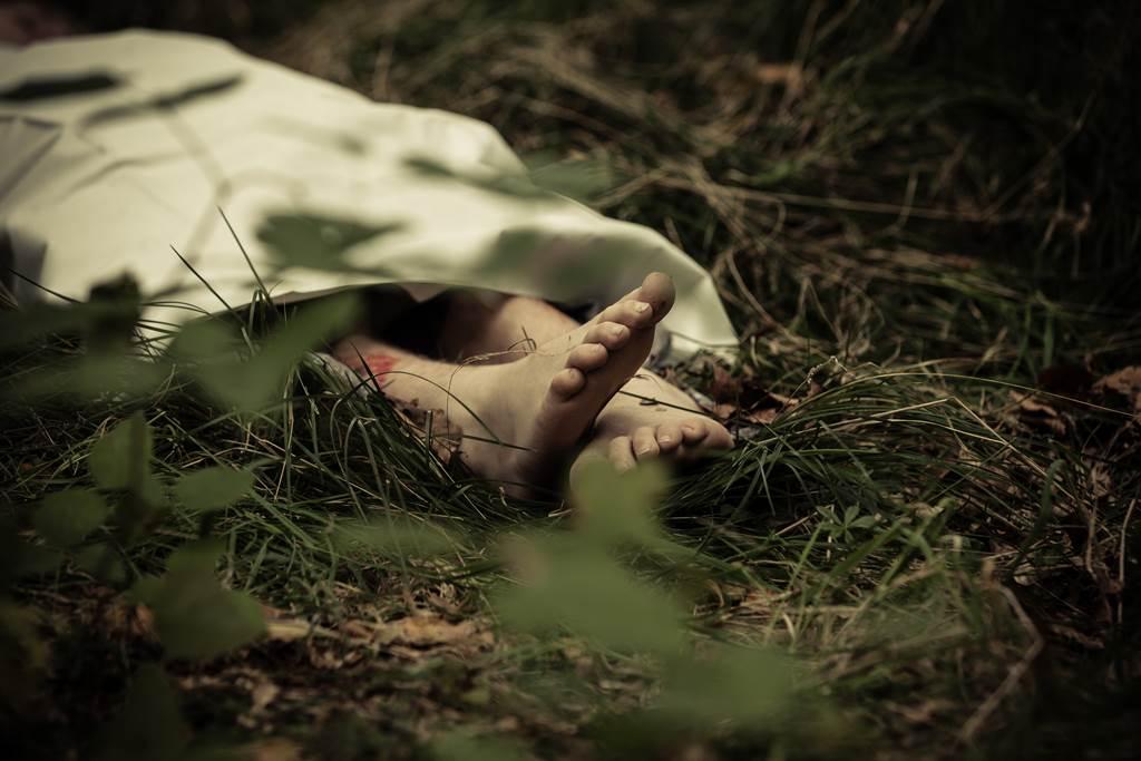 雲林一對離婚夫妻2006年起陸續虐殺、棄屍3子。(示意圖/達志影像/Shutterstock提供)