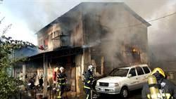 嘉義市鐵皮屋印刷廠大火 屋主夫妻受傷、夫傷重轉送奇美醫院
