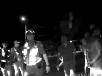 尷尬!深夜催油門擾人 攔車毆打才發現是朋友