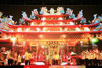 傳藝鬥陣展新局 廟口長大的顧哲誠把傳統藝陣變得很不一樣