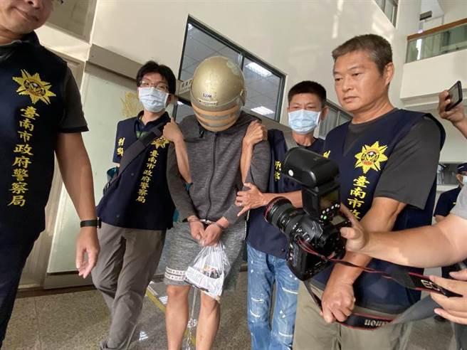 高雄岡山加油業者說,梁姓凶嫌29日凌晨有前往加油,當時死者還在車上,凶嫌用死者的手機抵押800元的油費。(圖/記者曹婷婷攝)